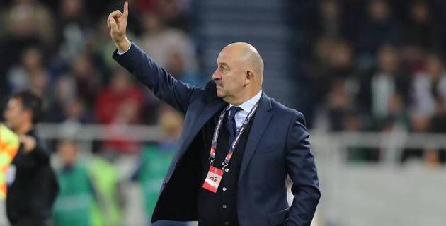 Главный тренер сборной России Черчесов посетил матч казахстанского клуба