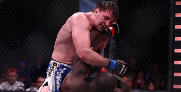 43-летний француз нанес российскому бойцу ММА первое поражение в карьере