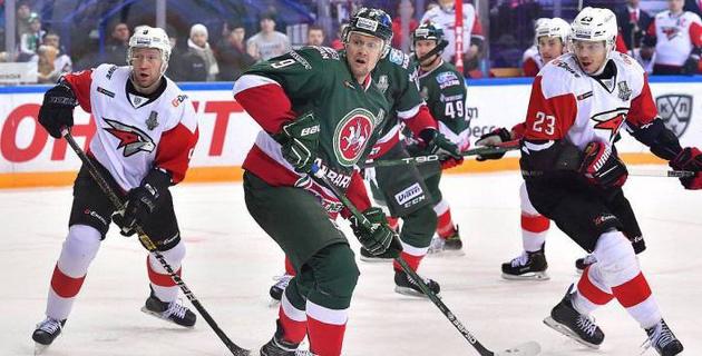 Обладатель Кубка Гагарина проиграл четвертый матч подряд и вылетел из плей-офф КХЛ