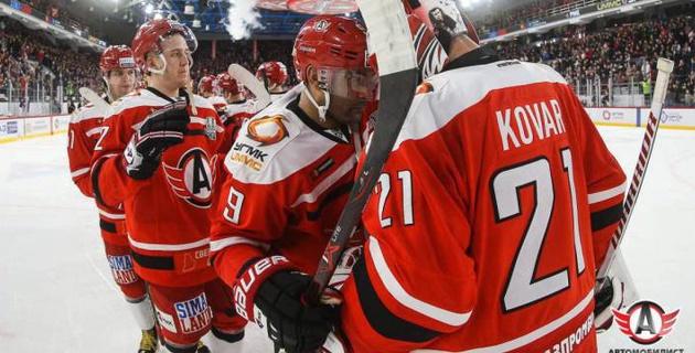 Клуб форварда сборной Казахстана Доуса впервые в истории вышел во второй раунд плей-офф КХЛ
