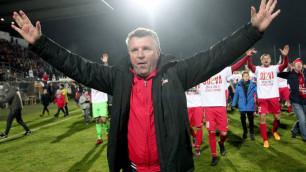 Зарубежный клуб казахстанского тренера выиграл со счетом 5:0 и одержал третью победу в сезоне
