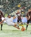 Футболист не забил в пустые ворота из-за снегопада