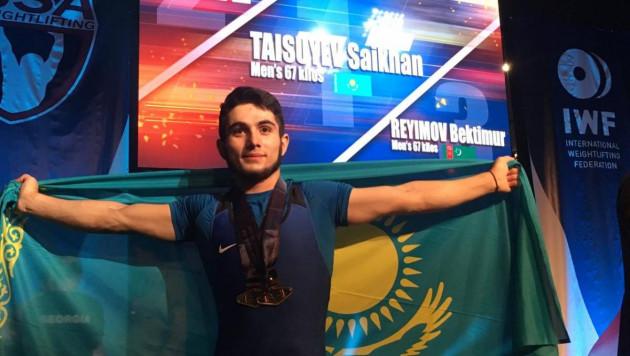 Казахстанец после мирового рекорда признан лучшим тяжелоатлетом молодежного ЧМ