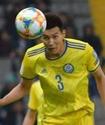 Защитника сборной Казахстана отвезли в больницу с поля в стартовом матче отбора на Евро-2020
