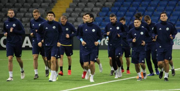 Логвиненко в общей группе, или как Казахстан провел открытую тренировку перед матчем с Россией