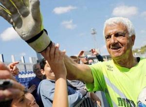 73-летний вратарь стал самым возрастным игроком в истории футбола и вошел в Книгу рекордов Гиннесса
