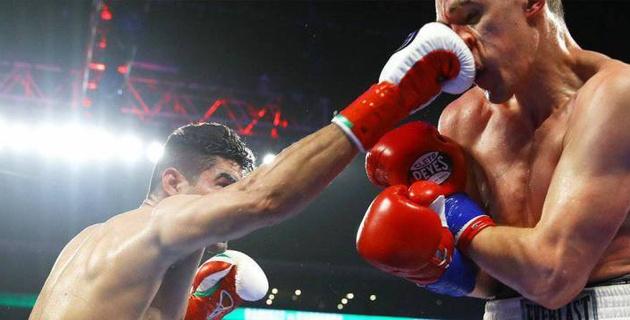 Видео остановки дебютного боя Хильберто Рамиреса в новом весе в андеркарте у Ломаченко