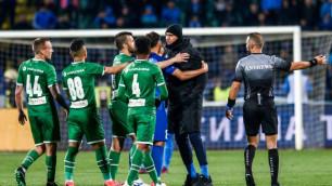 Футболист взбесил фанатов команды Сейдахмета празднованием пенальти и покинул поле под охраной