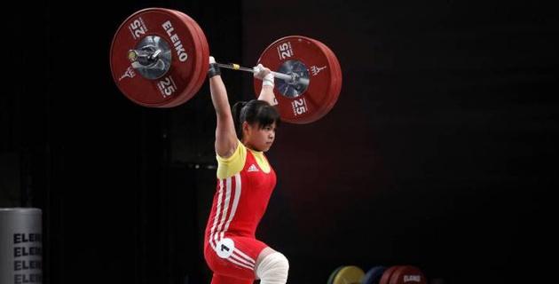 Зульфия Чиншанло неудачно выступила на чемпионате Азии по тяжелой атлетике