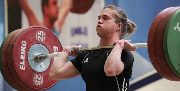 Призерка Олимпиады из Казахстана осталась без медали на чемпионате Азии по тяжелой атлетике