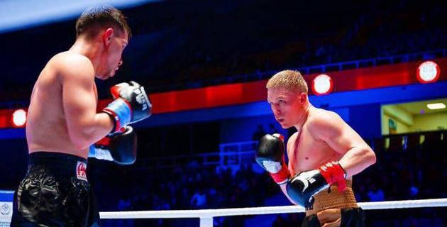 Прямая трансляция боев казахстанских боксеров Виктора Коточигова и Нуртаса Ажбенова в Лондоне