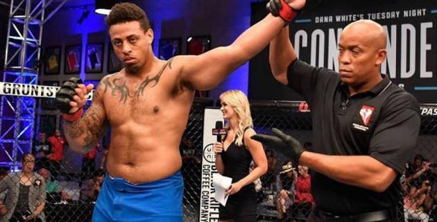 Бывший футболист нокаутировал российского бойца на турнире UFC