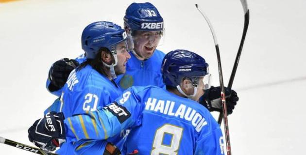 Сборная Казахстана победила Беларусь и вышла на первое место на домашнем ЧМ по хоккею