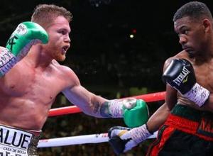 """Легенда мексиканского бокса отметил отсутствие прогресса у """"Канело"""" в поединке с Джейкобсом"""