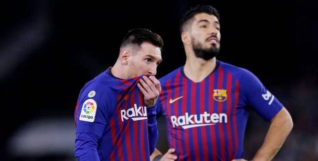 """В """"Барселоне"""" назрел бунт из-за дружбы главного тренера с Месси и Суаресом"""