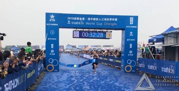 Казахстанка Шульгина выиграла финал В на этапе Кубка мира по триатлону в Китае