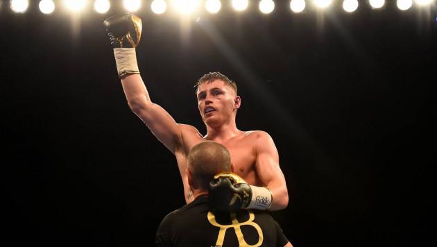 Отобравший титул WBA у Жакиянова британец вернулся после первого поражения и выиграл нокаутом