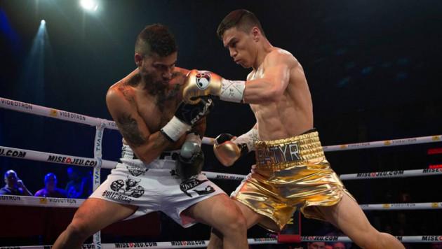 Джукембаев нокаутировал мексиканца на последней секунде первого раунда