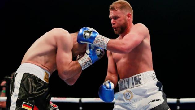 Сондерс повторил свой издевательский трюк в бою за титул чемпиона мира