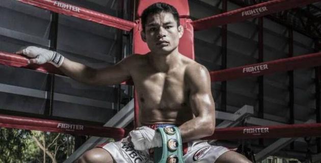 Небитый чемпион мира по версии WBC одержал 53-ю подряд победу в профи