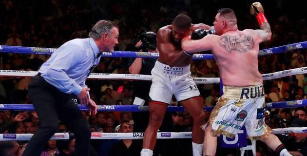 Видео всех нокдаунов и нокаута, или как Джошуа сенсационно потерпел первое поражение в карьере