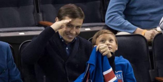 """""""В Лос-Анджелесе все негодовали"""". Головкин - о хоккее и любимом клубе сына в НХЛ"""