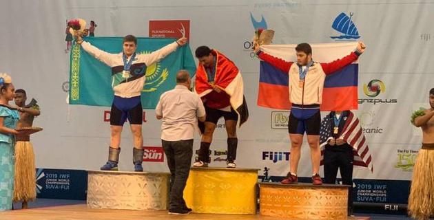Казахстан завоевал первую медаль на юниорском ЧМ по тяжелой атлетике в Фиджи
