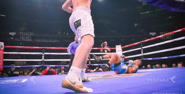 Видео первого нокаута в вечере бокса Головкин - Роллс