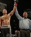 Бой казахстанца с экс-соперником чемпиона WBO, WBA, IBF и IBO оказался под угрозой срыва