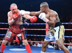 Африканский боксер нокаутировал россиянина в бою за титул от WBC