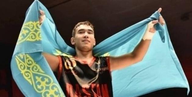 16-летний казахстанский профи-боксер с тремя нокаутами выступит в андеркарте Каната Ислама