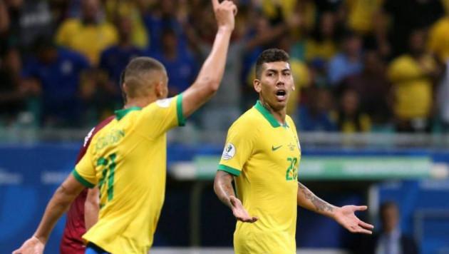 Сборная Бразилии по футболу забила трижды, но матч завершился нулевой ничьей