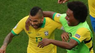 Cборная Бразилии по футболу разгромила Перу и вышла в четвертьфинал Кубка Америки