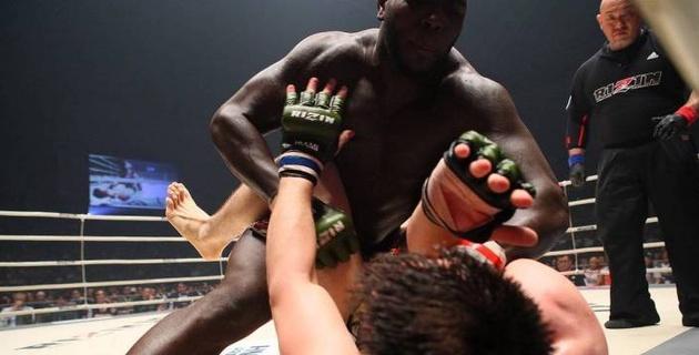 В UFC тяжеловес нокаутировал соперника за 9 секунд