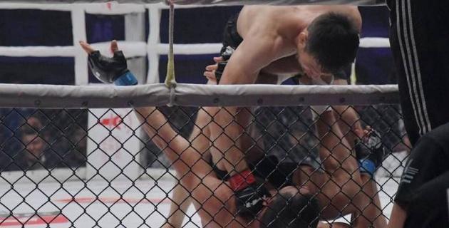 Видео нокаута, или как небитый казахстанец Рахмонов выиграл 12-й бой досрочно и защитил титул чемпиона M-1 Challenge