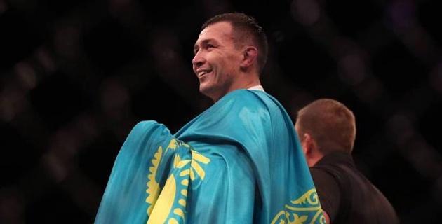 Казахский боец из UFC бросил вызов участнику драки после боя Нурмагомедов - МакГрегор