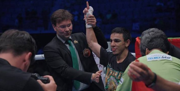 Чемпион мира по версии WBC одержал досрочную победу в Нур-Султане в первой защите титула