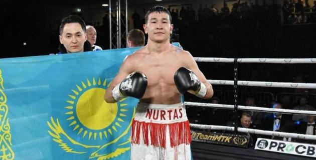 Казахстанец нокаутировал в первом раунде боксера с 18 победами в профи