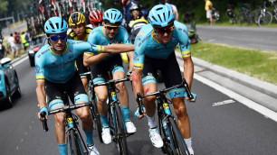 """Капитан """"Астаны"""" смог подняться после завала и финишировать на первом этапе """"Тур де Франс"""""""