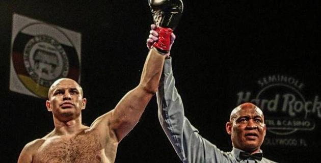 Казахстанский супертяж Иван Дычко одержал очередную победу нокаутом