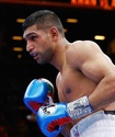 Амир Хан нокаутировал поднявшегося на две весовые категории соперника