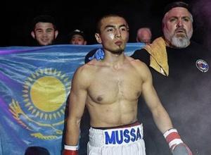 Небитый казахстанский боксер одержал десятую победу в профи