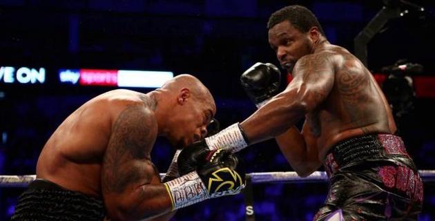 Британский супертяж встал после нокдауна и завоевал титул чемпиона WBC
