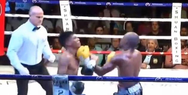 Титульный бой боксеров завершился двойным нокдауном и тяжелым нокаутом
