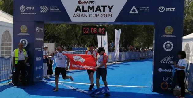 В Алматы завершились международные соревнования по триатлону в рамках Кубка TEMIRADAM