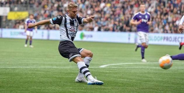 Клуб казахстанца упустил победу в матче чемпионата Голландии из-за VAR и пенальти на 96-й минуте