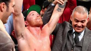 Позиция Альвареса в отношении Головкина расстроила фанатов - журналист Boxingscene.com