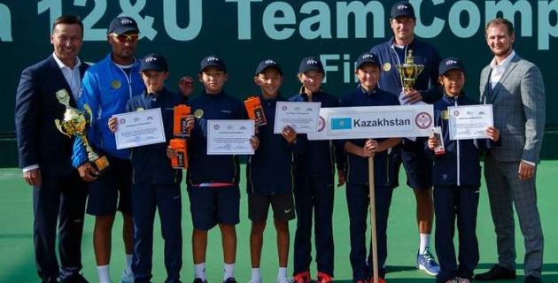 """Победа и """"бронза"""". Казахстанские теннисисты поднялись на пьедестал командного первенства Азии среди детей до 12 лет"""