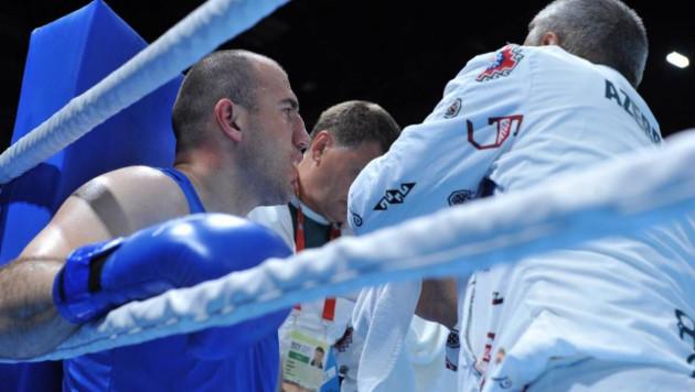 Супертяж с победой над Джошуа и нокаутом Дычко перешел в профессиональный бокс