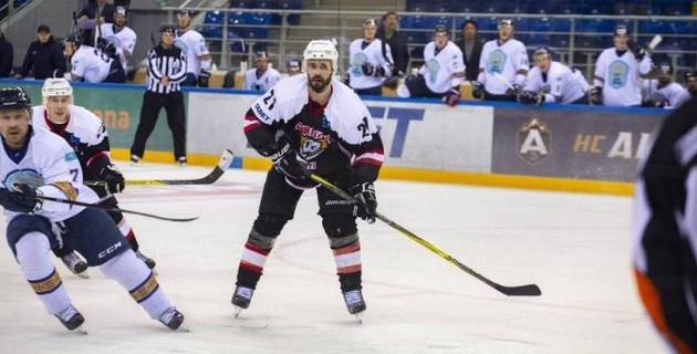 Хоккеист казахстанского клуба повторил трюк звезды НХЛ и забил буллит без броска по воротам